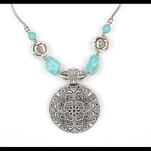 Jewelry - BOHO vintage pendant necklace NEW